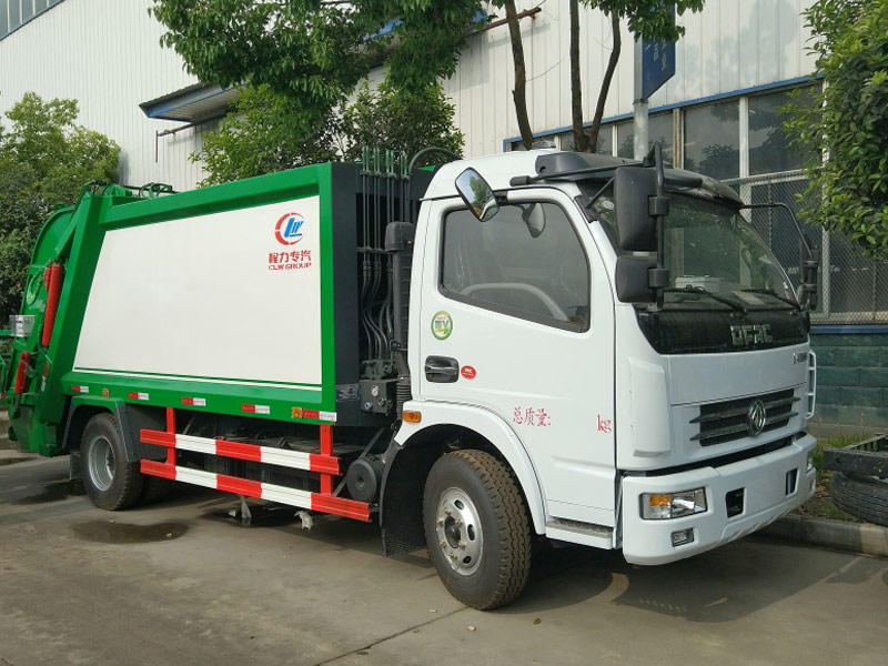 4X2 Dongfeng 5CBM Garbage Compactor Trucks